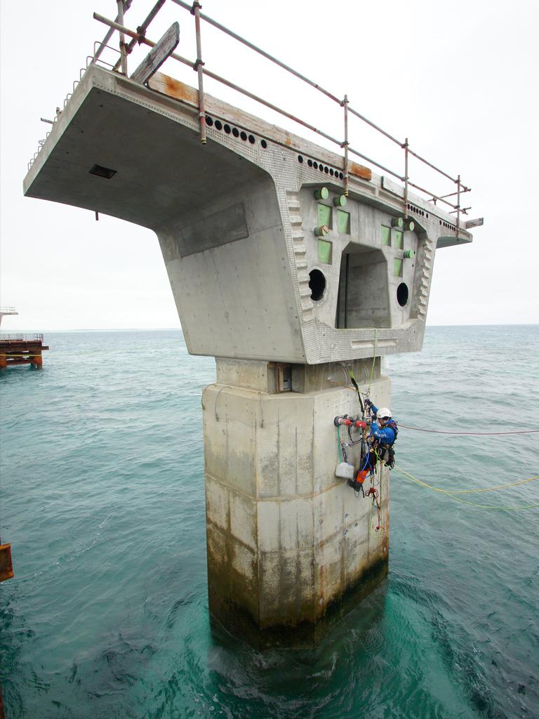 事業内容-橋梁関連業務コンクリートコア採取
