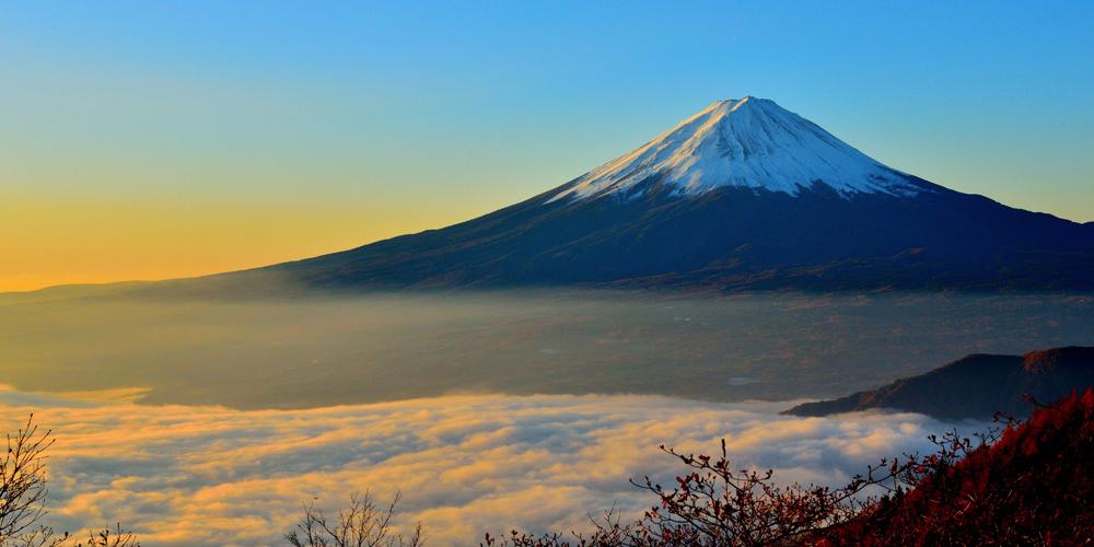 日本の頂上へ