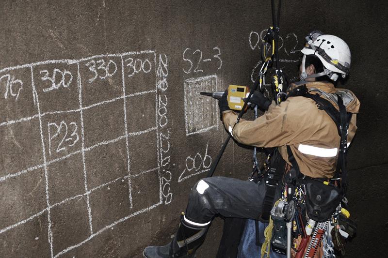 リバウンドハンマーによるコンクリート強度測定